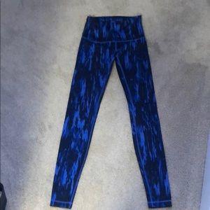 Like new size 6 lululemon leggings high waist
